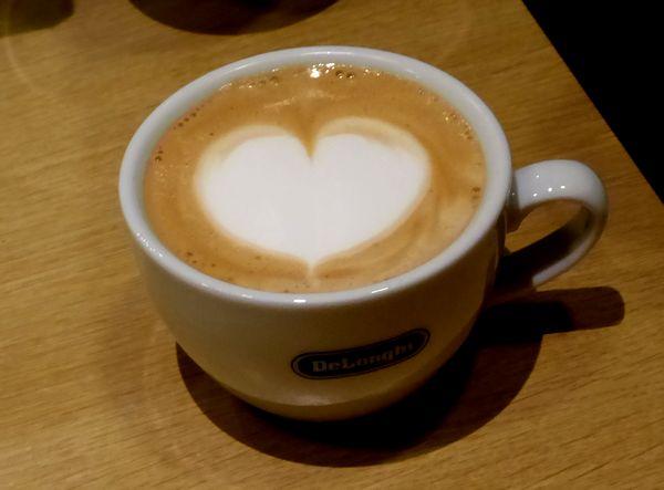 ハートのカフェラテが!デロンギのマシンがあれば、家でできちゃうんですね
