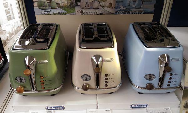 デロンギ アイコナ・ヴィンテージ コレクション ポップアップトースターは10月発売予定。価格は18000円