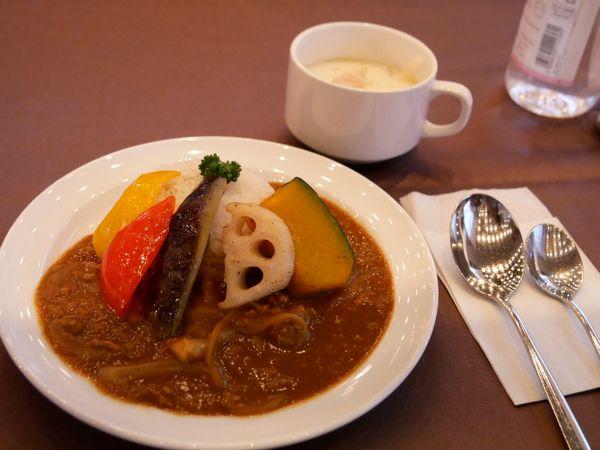 カレーもスープも美味しゅうございました!