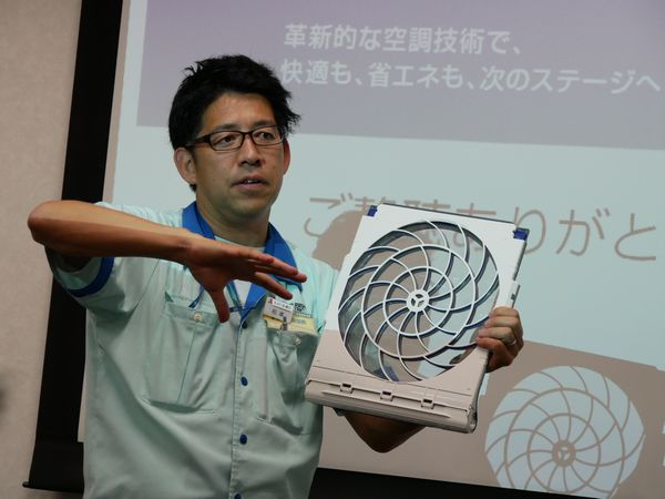 営業部ルームエアコン販売企画グループ 松本崇さん。以前、インタビューさせていただきました!